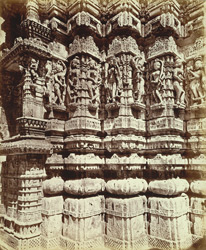 Close view of sculpture on the façade of one of the temples near the Adishvara Bhagarai Temple in the Vimalavasi Tuk, Satrunjaya